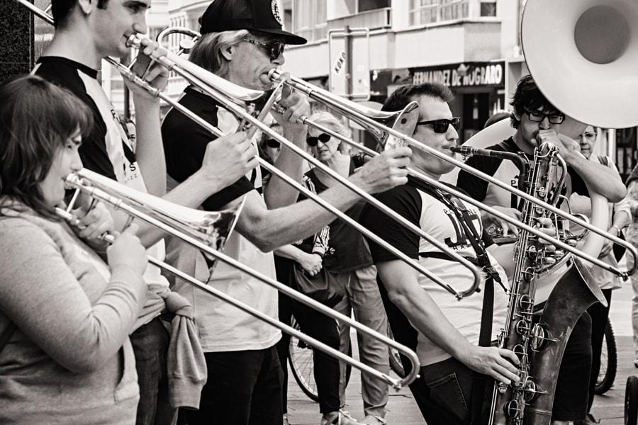 Iruña Jazz Brass Band con Craig Klein (1) by Eloy Gonzalo on 500px.com