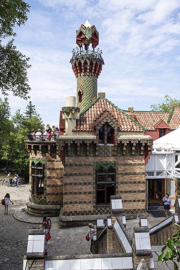 El Capricho de Gaudí by Ana V. on 500px.com
