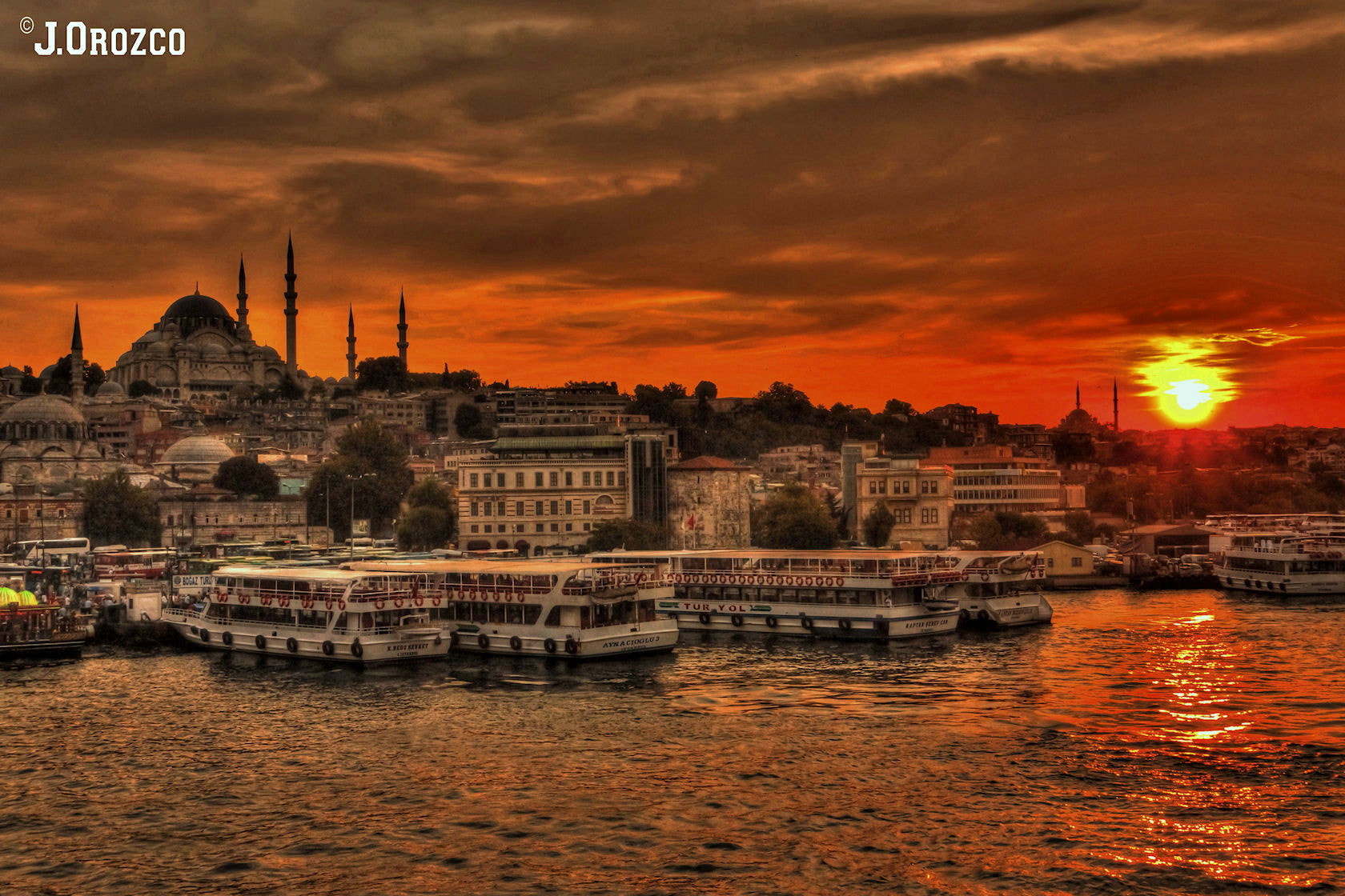 Photograph Atardecer en Estambul. by jose orozco on 500px