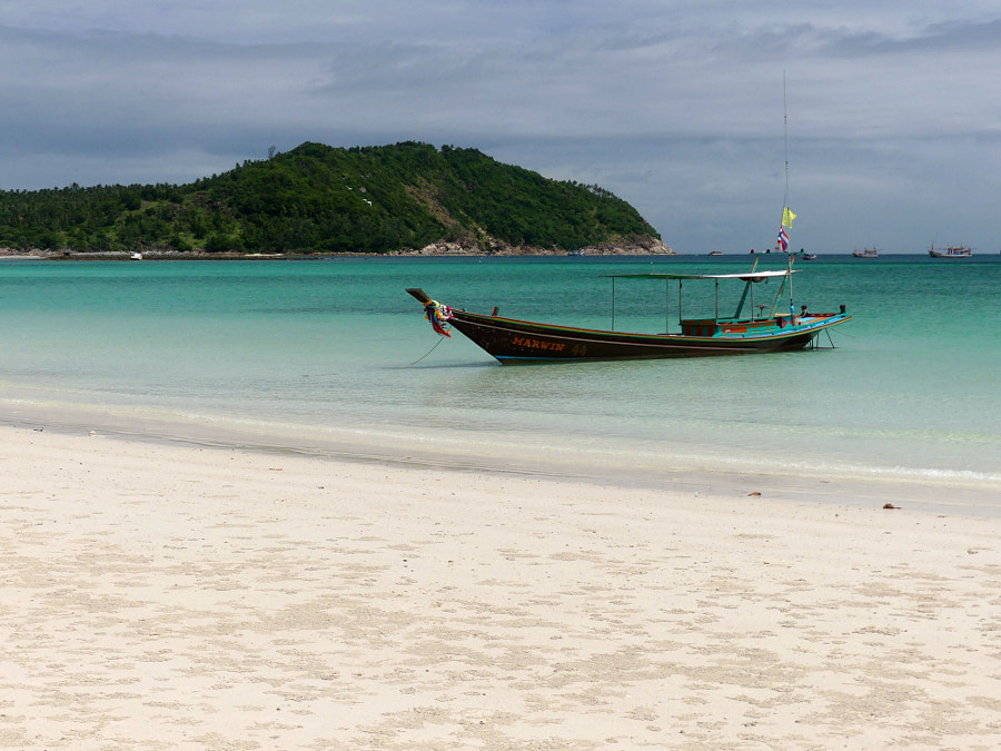 Long tail boat on Koh Fangang by Yves LE LAYO on 500px.com