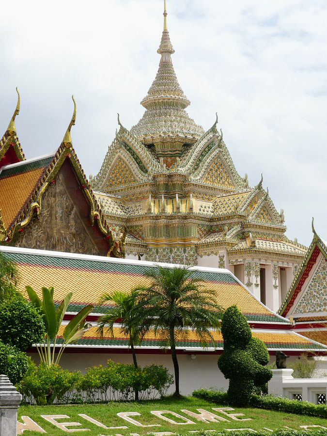 Welcome to Wat Pho (Bangkok)  by Yves LE LAYO on 500px.com