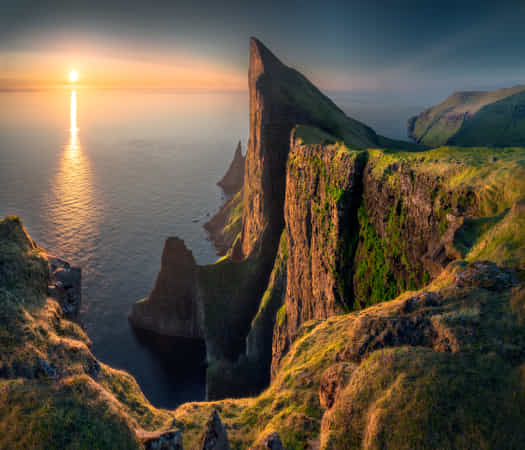 The Cliff by lhan Eroglu