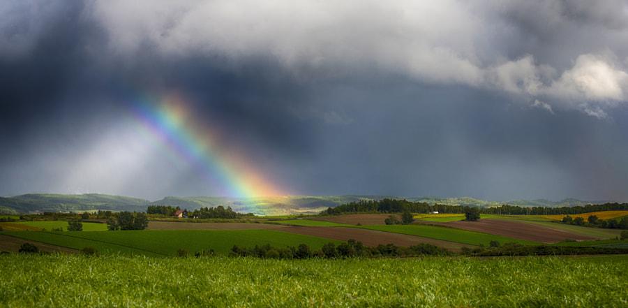 丘に掛かる虹 by Kousuke Toyose on 500px.com