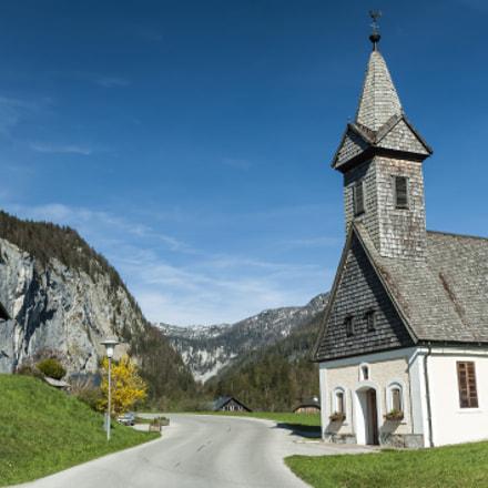 Austria, Salzkammergut, Grundlsee, Little church in mountainside