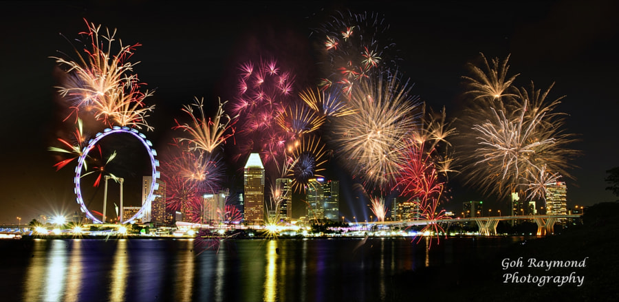 we love sg fireworks on 27 february 2015at the pit building area near the singapore flyeri am capture this fireworks at gardens by the baybay east