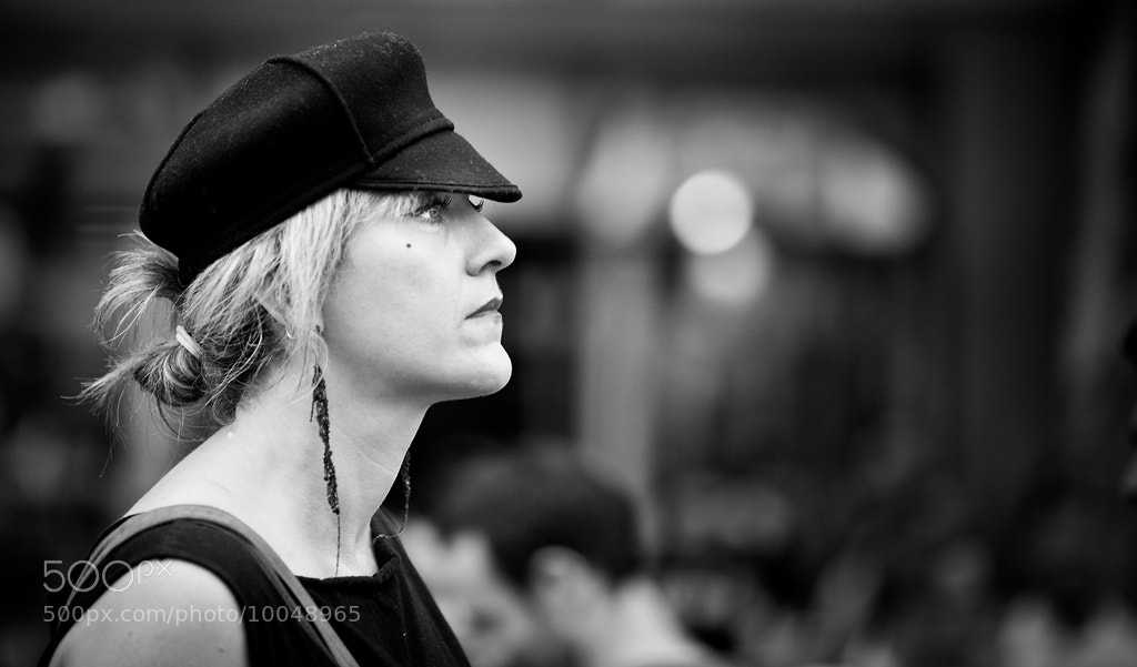 Photograph Woman, hold me close to your heart by Regards Parisiens on 500px