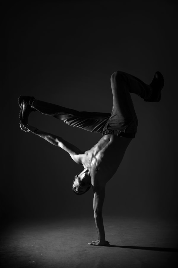 Breakdance by Semra Halipoglu on 500px.com