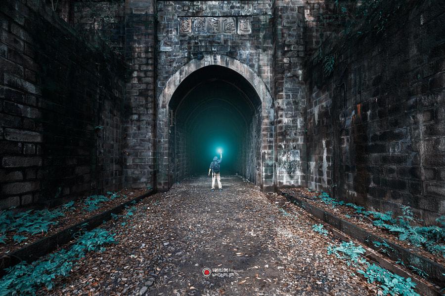 找寻《千与千寻》里的神秘洞穴 by 宫城飞雪  on 500px.com