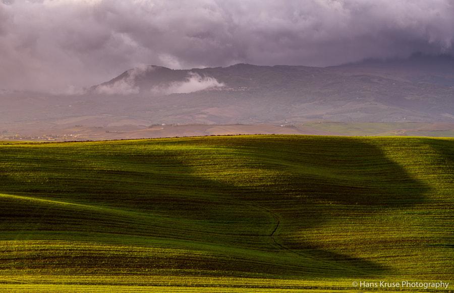 Light on Tuscan landscape by Hans Kruse on 500px.com