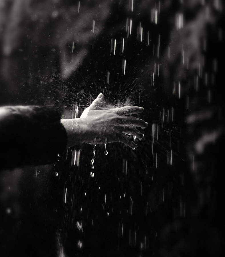 Water Hand by Rosario Iameo on 500px.com