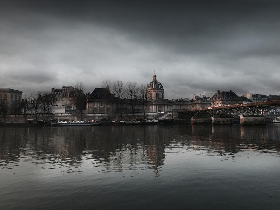 The Pont Des Arts Iphone 6 Photo