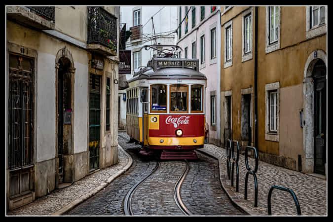 Tram 28 by Dirk Melis