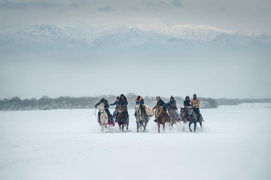 哈萨克叼羊!拍摄于北疆昭苏! by 沐雨  on 500px.com