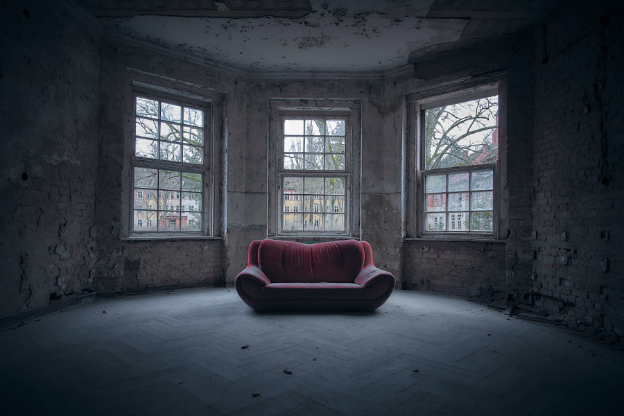 Rotes Sofa by JR PhotoArt on 500px.com