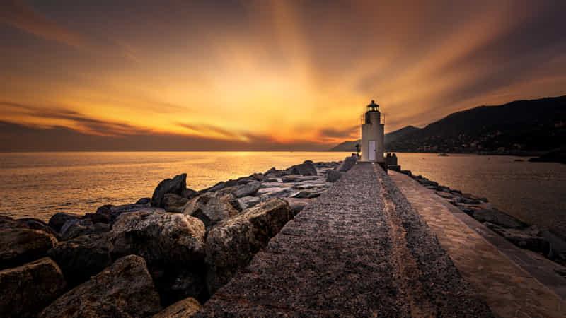 Camogli lighthouse by Enrico Cusinatti