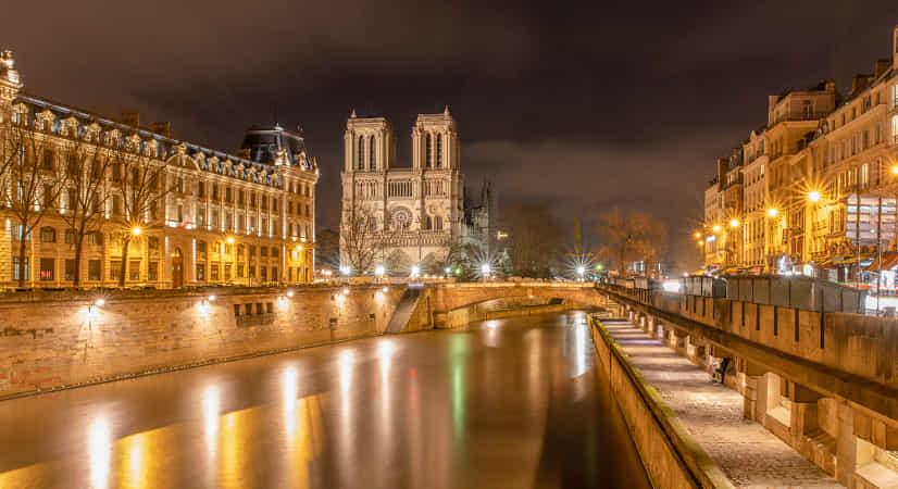 Cathédrale Notre-Dame de Paris by John S