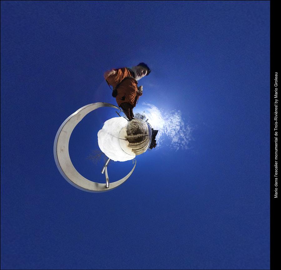 Mario dans l'escalier! by Mario Groleau on 500px.com