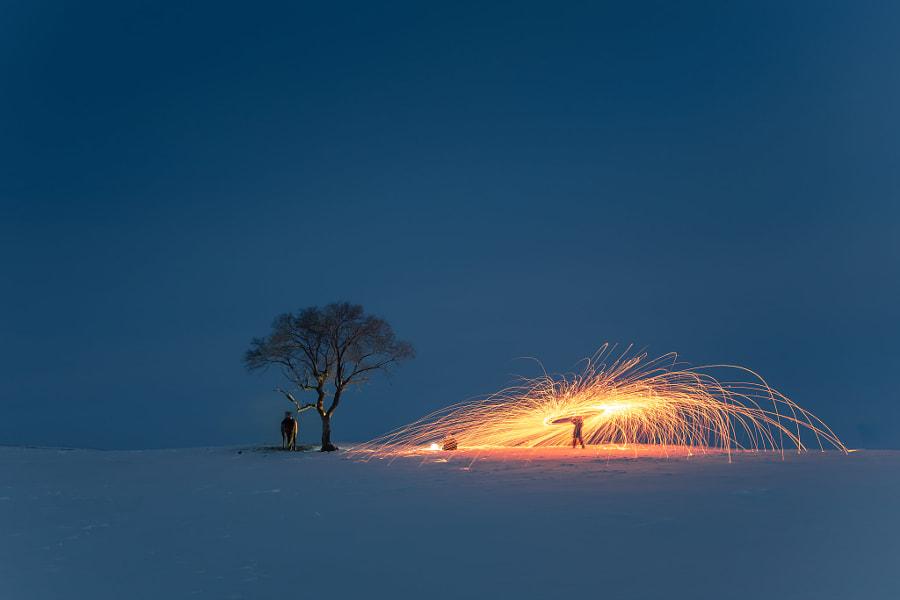 The light of the dark night. Photographer 清溪