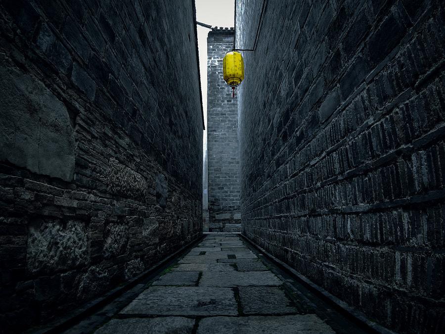 手机摄影(老巷) by 胡凤波  on 500px.com