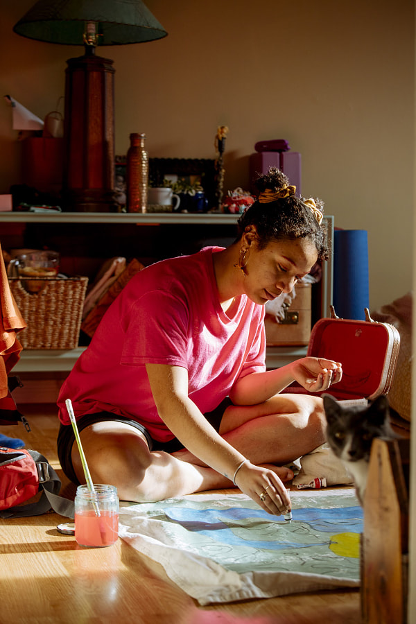 Young woman working on her painting, Rhythm Hunter by Hagar Wirba on 500px.com