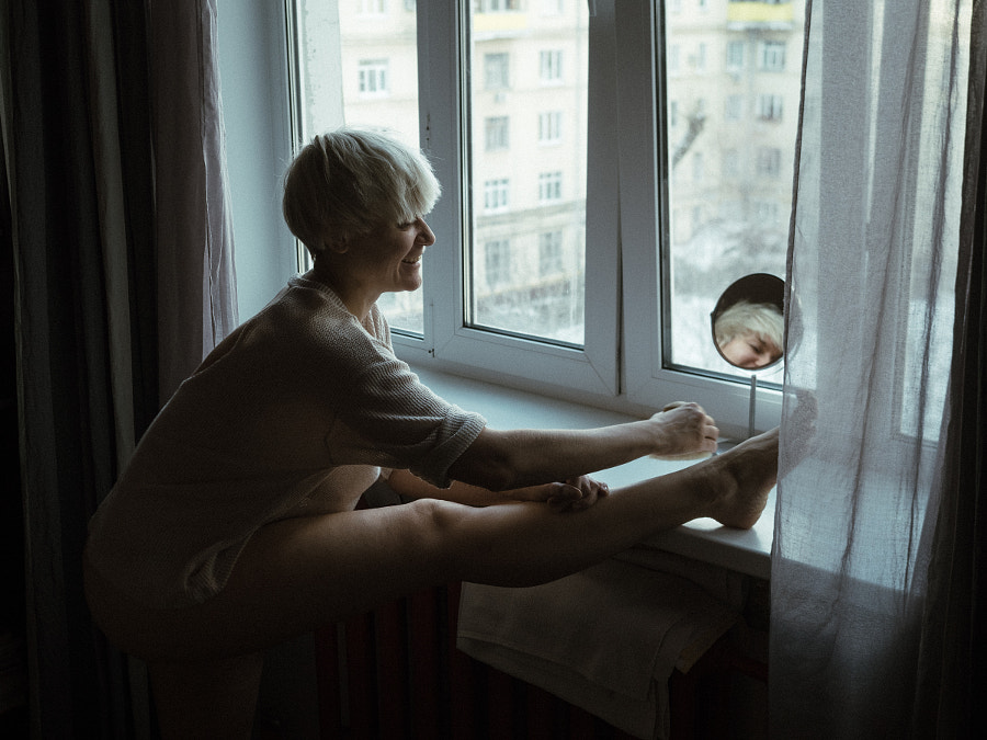 woman performing selfcare routine with a brush,Russia,Irina Passadskay by Aks Huckleberry on 500px.com