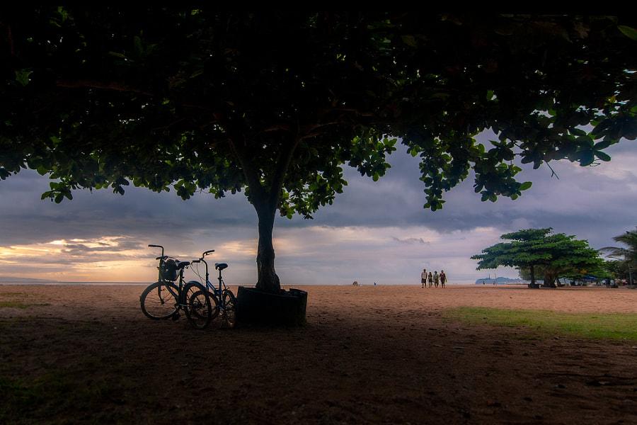 海滩清晨 by 不见那景  on 500px.com