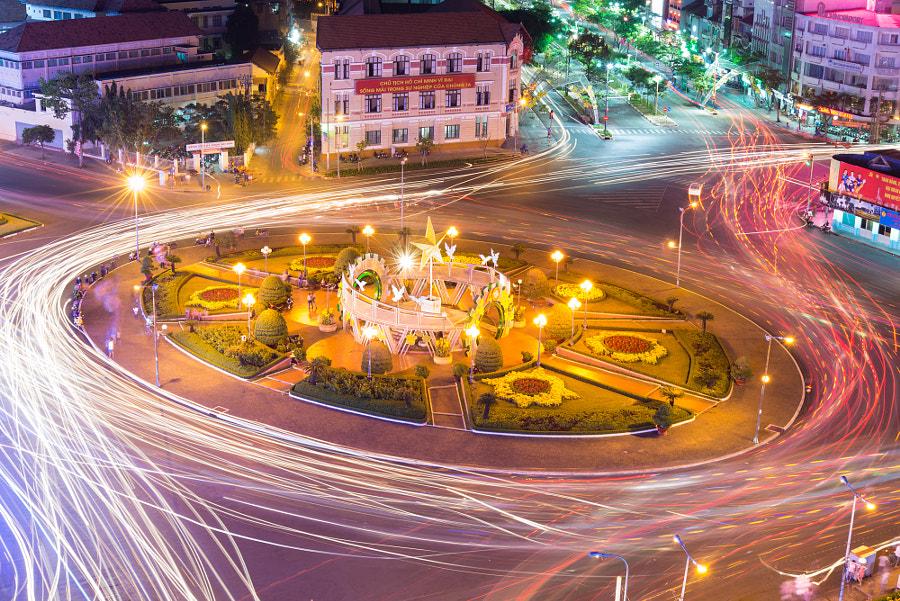 Ben Tanh Market traffic