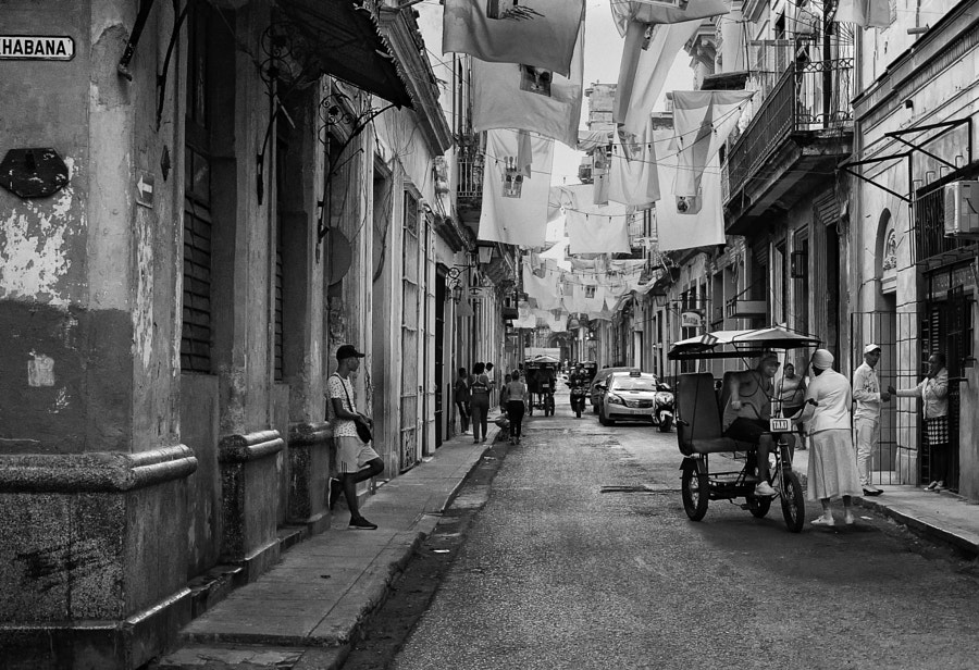 Havana Street with Banners by Rick Halpern on 500px.com