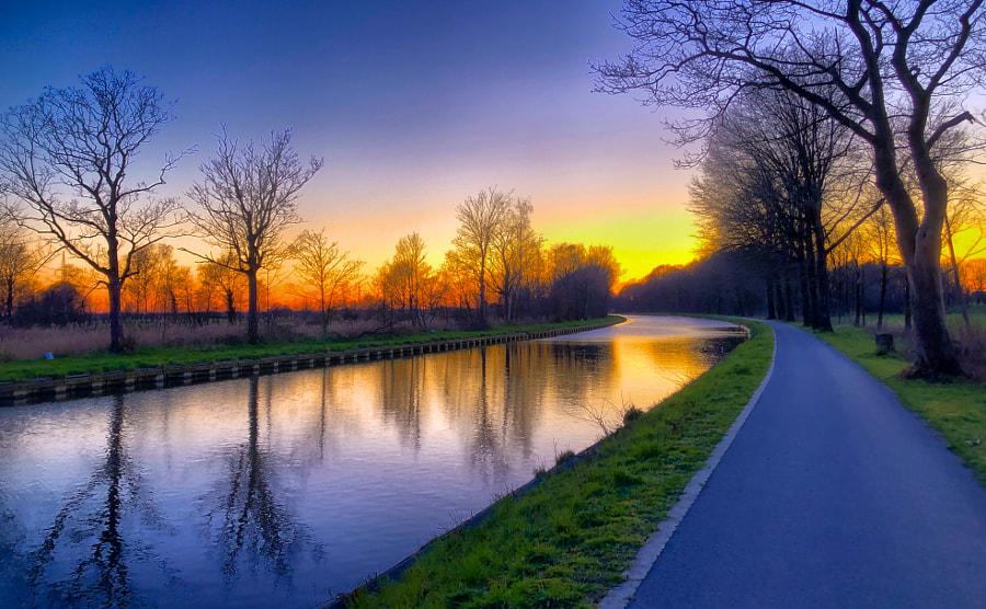 Riverside sunset  by Bjorn Beheydt on 500px.com