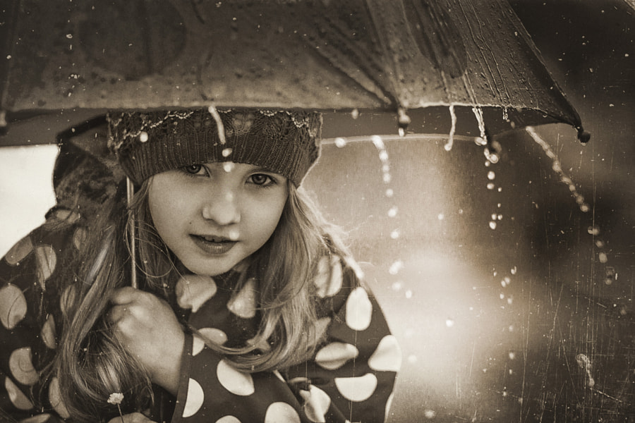 under an umbrella by Olya Nagornaya on 500px.com