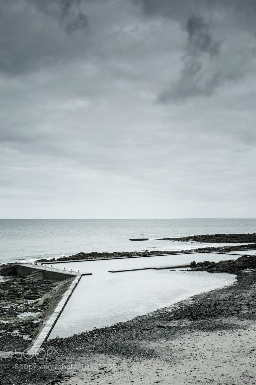 Photograph La piscine by Jean-Baptiste Poulain on 500px