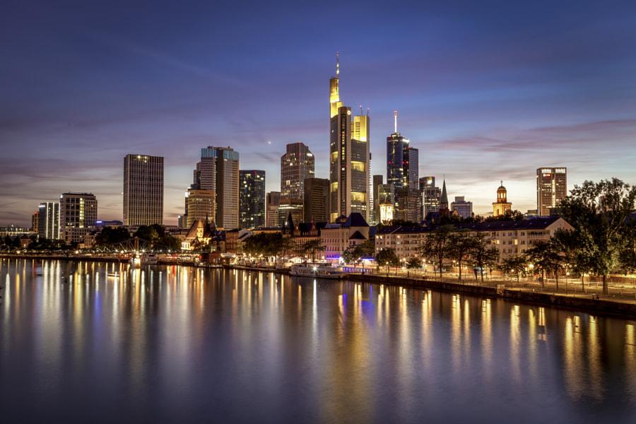 Frankfurt at night by Ana Sousa Simões on 500px.com