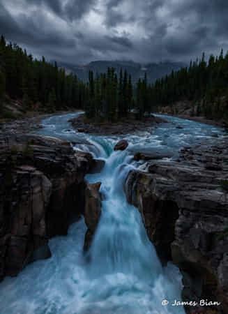 Sunwapta Falls by James Bian