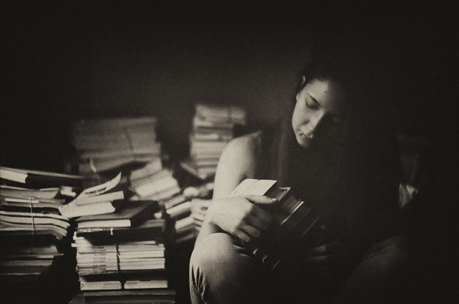 Photograph her books by Anna Aleshkina on 500px