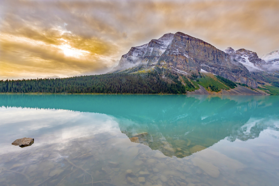 Beautiful Lake Louise by Jesse Sacdalan on 500px.com