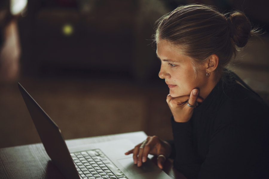 Work from home by Artem Zhushman on 500px.com