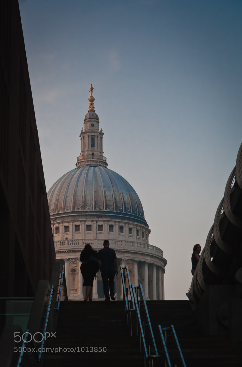 Photograph Strolling to St Paul's by Sean Ellingham on 500px