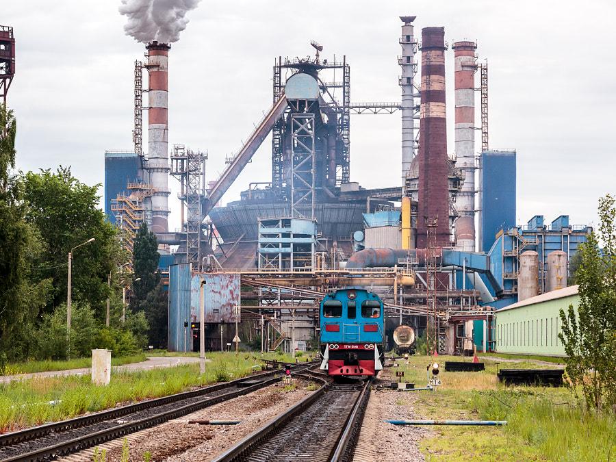Тепловоз ТГМ6В направляется на литейный двор доменной печи №6 Новолипецкого металлургического комбината