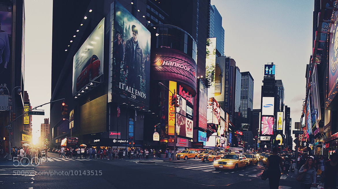 Photograph Times Square, 42nd Street by Tom Lennon on 500px