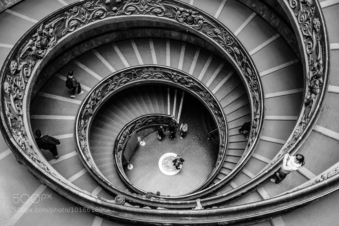 Photograph Musée du Vatican  by Cécile Ferchaud on 500px