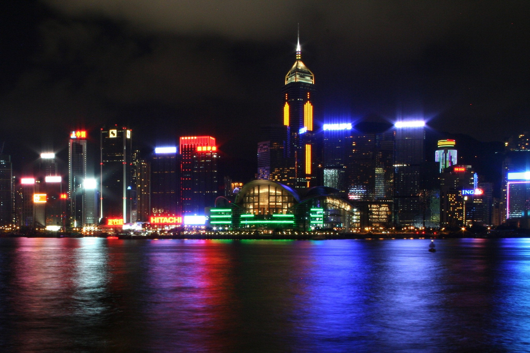 Photograph Hong Kong riverfront  by Rachel O'Connor on 500px