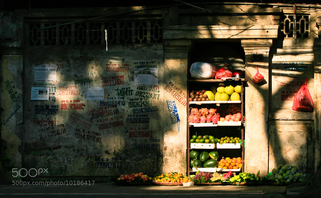 Photograph Fruit shop by Khuong Nguyen on 500px