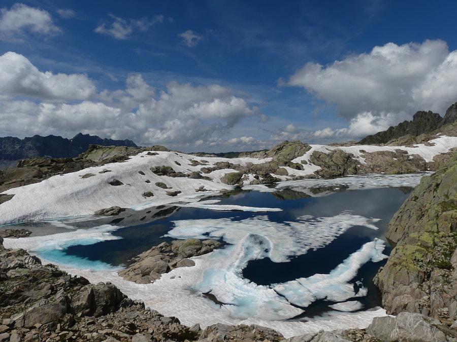 Lac noir (parc des aiguilles Rouges) by Yves LE LAYO on 500px.com