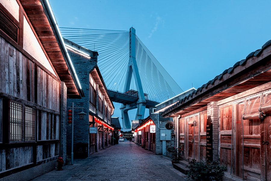 大桥从我房顶过 by 宫城飞雪  on 500px.com