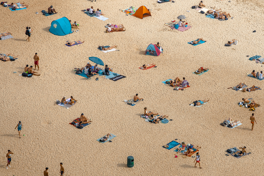 Beach social distancing by Julia Wimmerlin on 500px.com