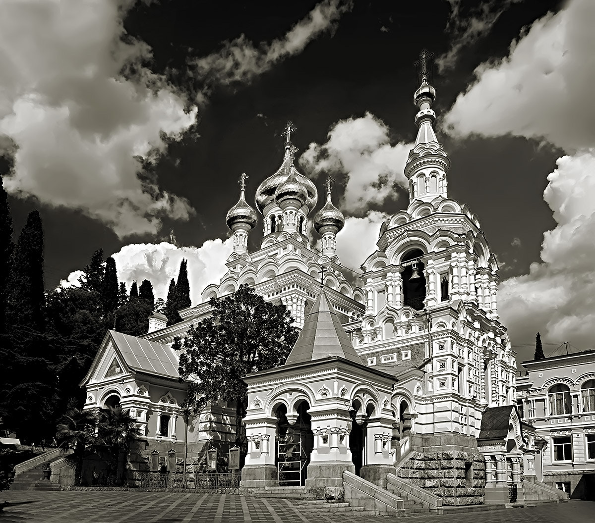 Photograph Aleksandr Nevskij Cathedral -Yalta by Mariusz Sz on 500px
