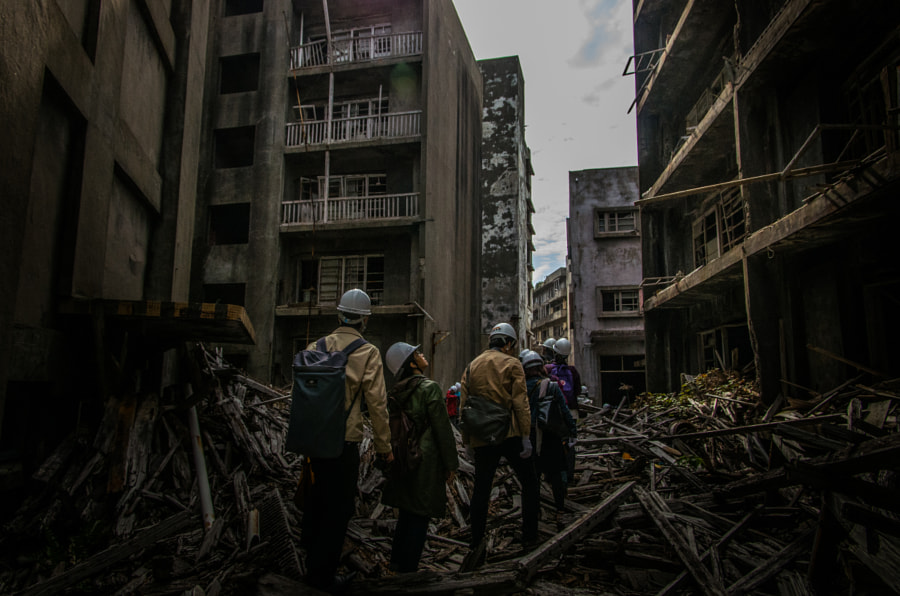 "Photograph Walking through the abandoned island ""Gunkanjima"" by Keiju Kubo on 500px"