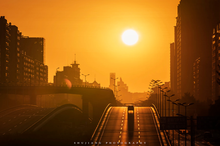 木樨地悬日 by 书匠  on 500px.com