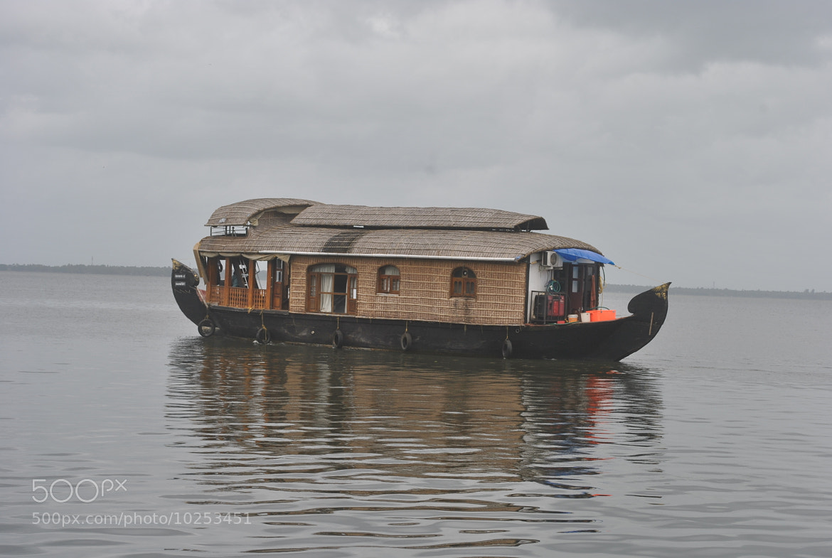 Photograph houseboat by John Varghese on 500px