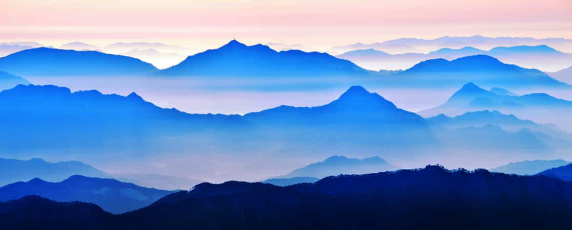 Ridgeline panorama by Cotton SUH